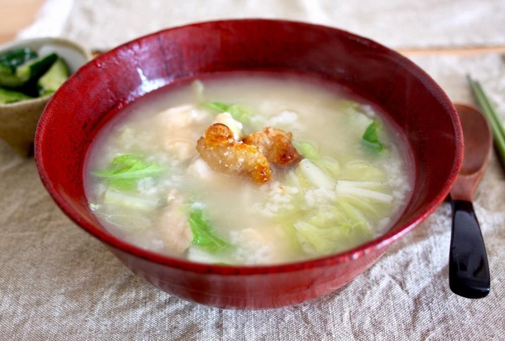 鶏スープの中華がゆ