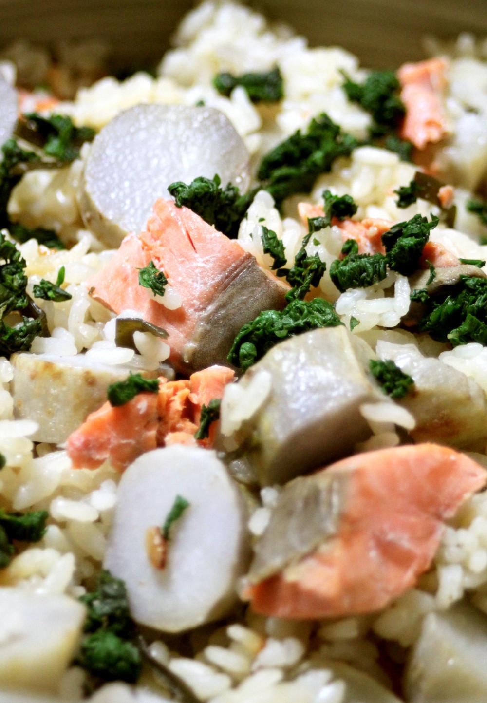 塩鮭と里芋の炊き込みご飯。