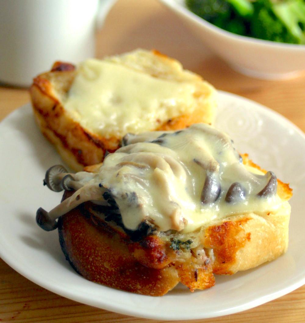森のチーズトースト