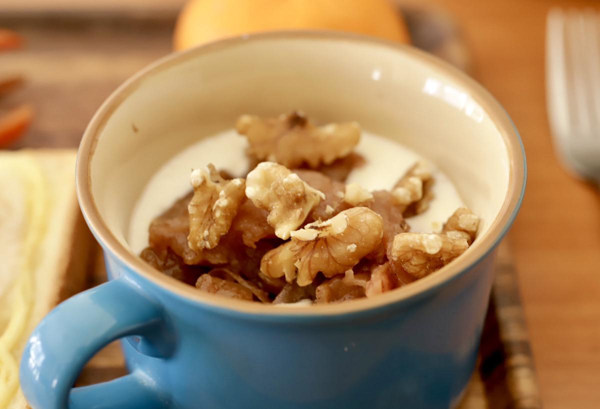 オリゴ糖は乳酸菌と一緒に食べると腸内細菌のエサになってくれるので、バナナジャムとヨーグルトは最高の組み合わせになります!
